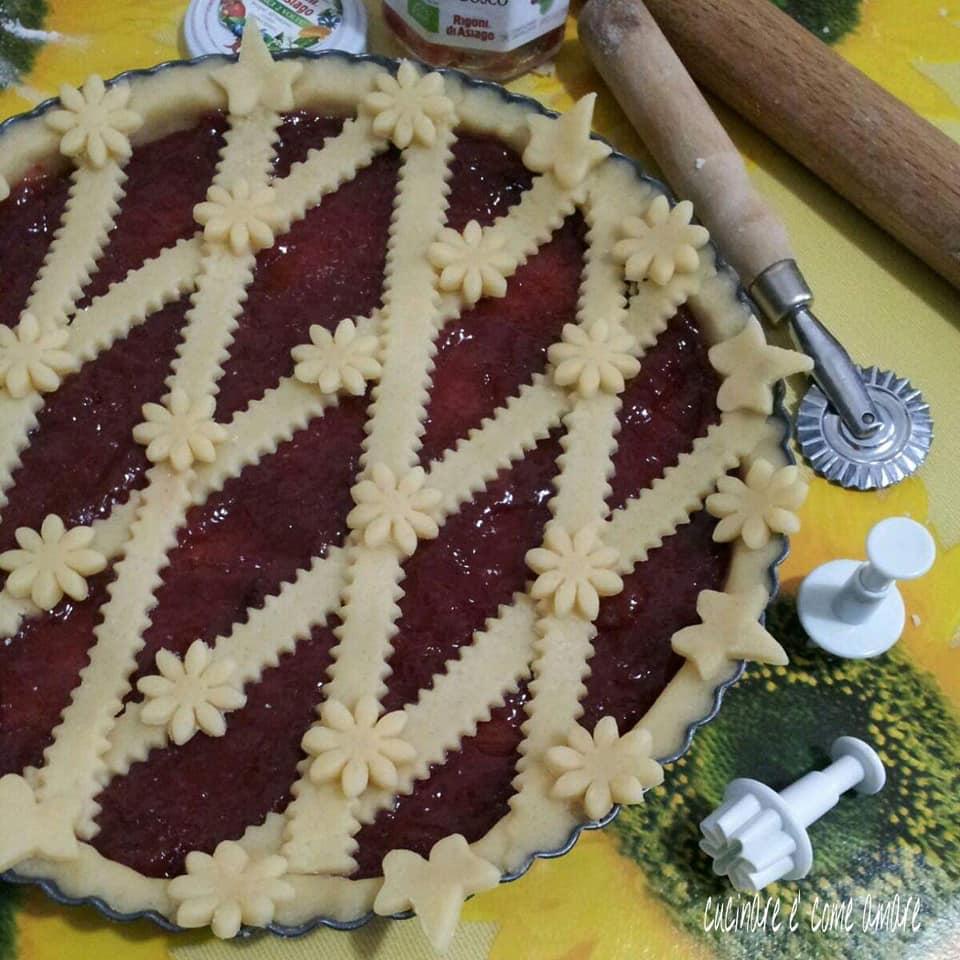 torta dolce crostata ripieno marmellata