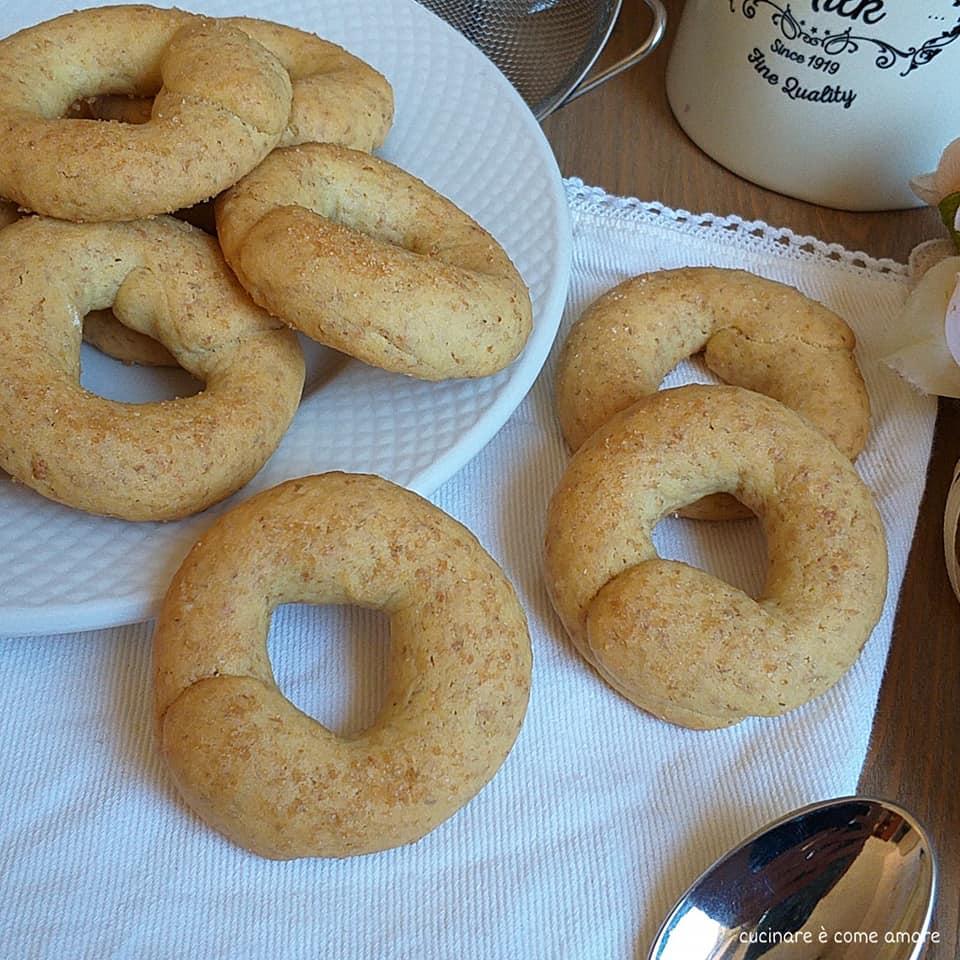 biscotto semplice integrale da colazione