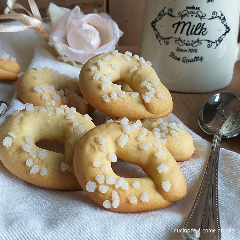 biscotto zuccherino semplice da colazione