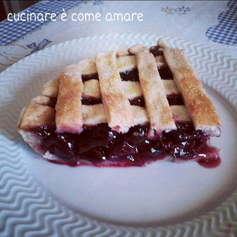 torta dolce ripieno di ciliegie cherry pie