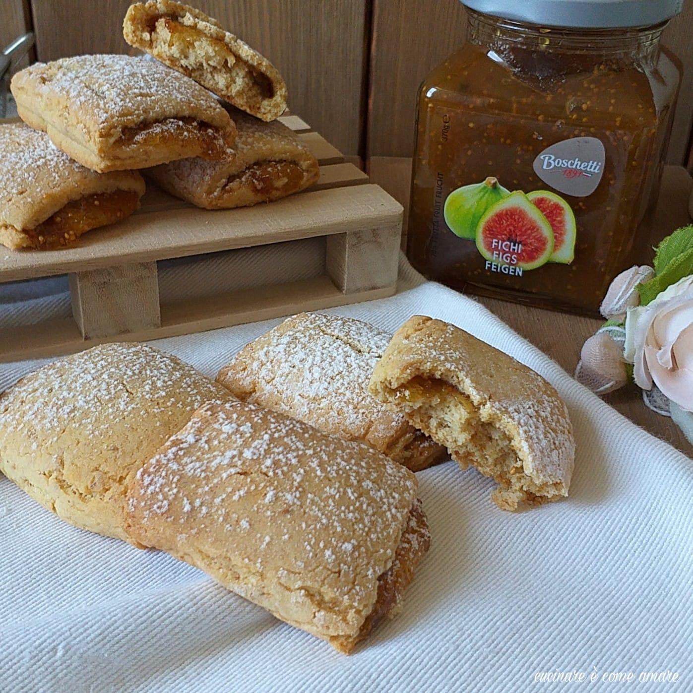 biscotto ripieno di marmellata ai fichi