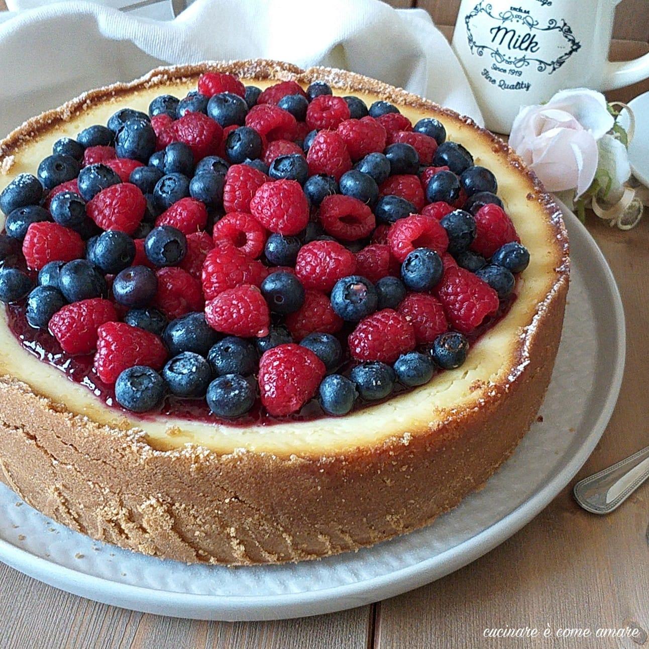 dolce newyork cheesecake ricotta frutti di bosco