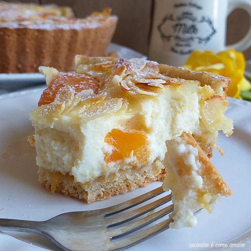 torta dolce cuor ricotta e albicocche