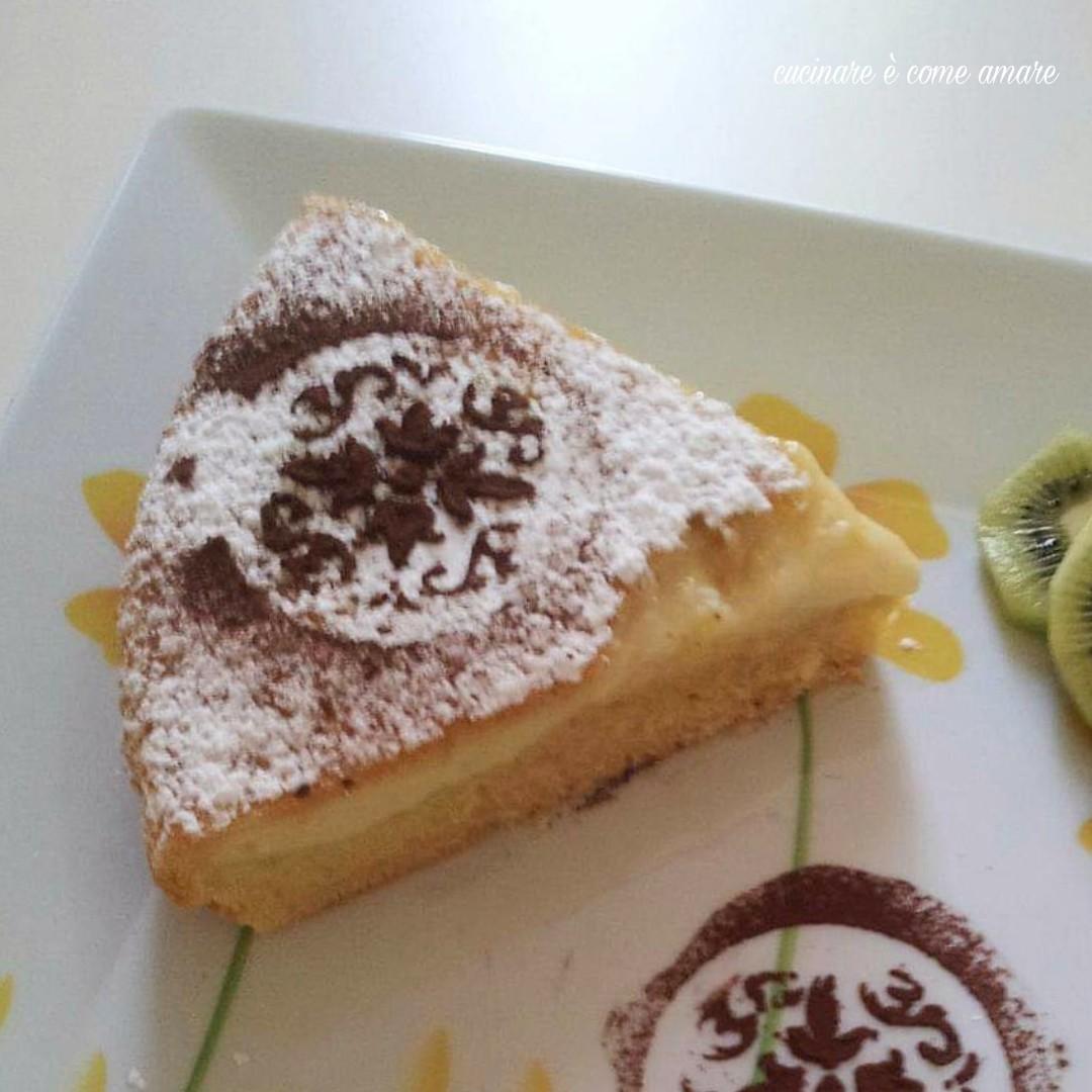 torta dolce nua con crema pasticcera
