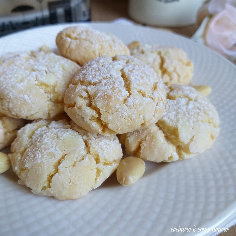 biscotto dolcetto di mandorla morbido