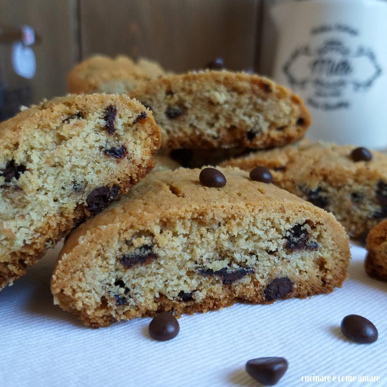 biscotto rotolo cookies con cioccolato