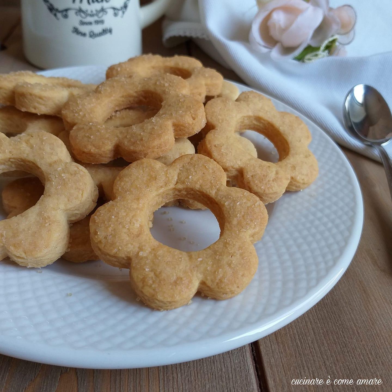 biscotto semplice senza uova da colazione