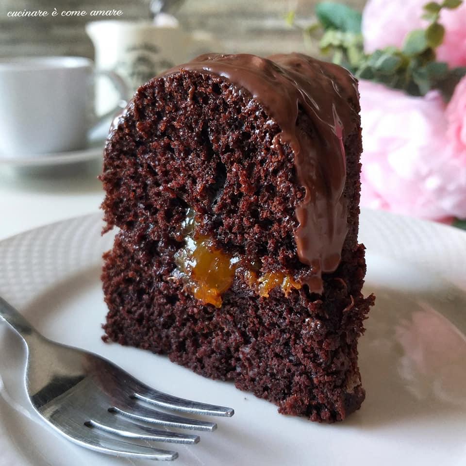 dolce torta ciambella sacher cacao marmellata
