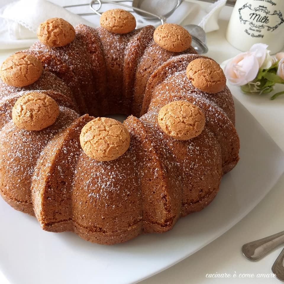 torta di mele grattugiate e amaretti dolce soffice