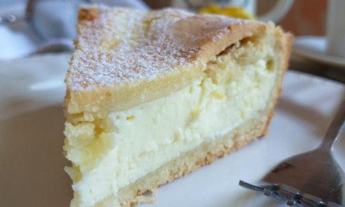 TORTA DOLCE CROSTATA CON RIPIENO ricotta cioccolato bianco
