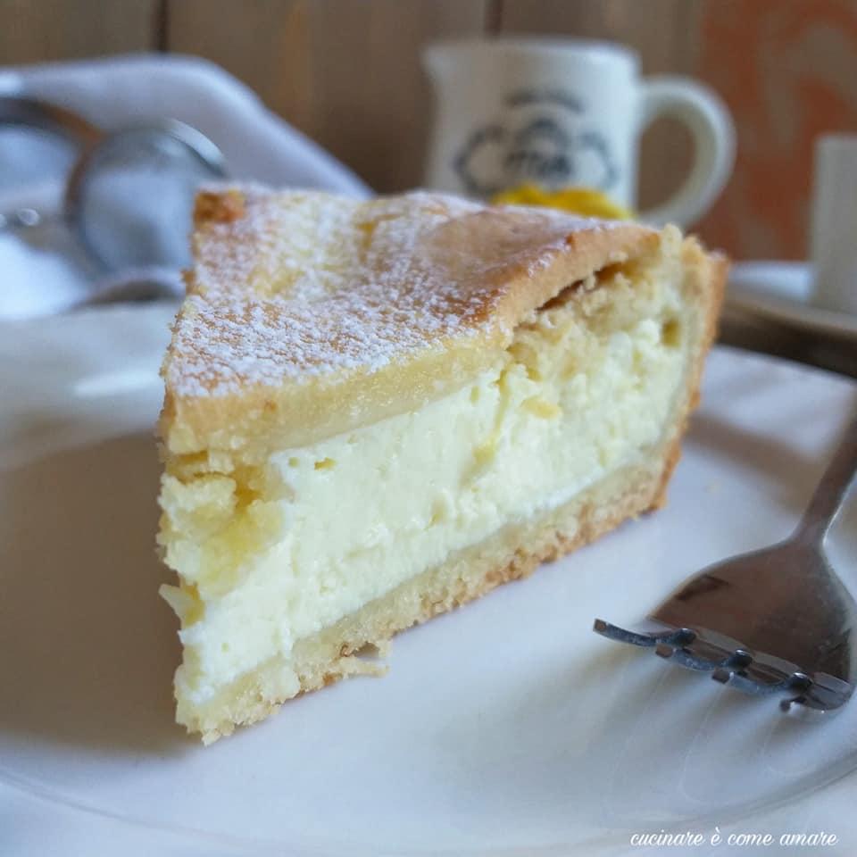 torta crostata con ripieno ricotta cioccolato bianco