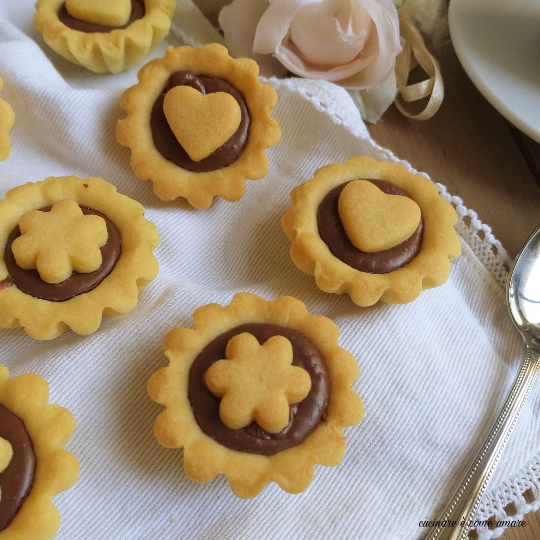 biscotto crostatina alla nutella dolce ripieno
