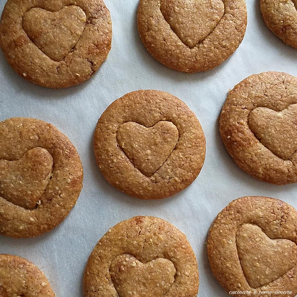 biscotto integrale cuore di fibre dolce