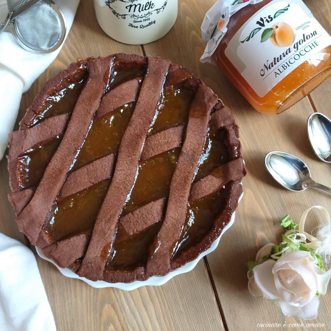 dolce crostata al cacao ripieno marmellata