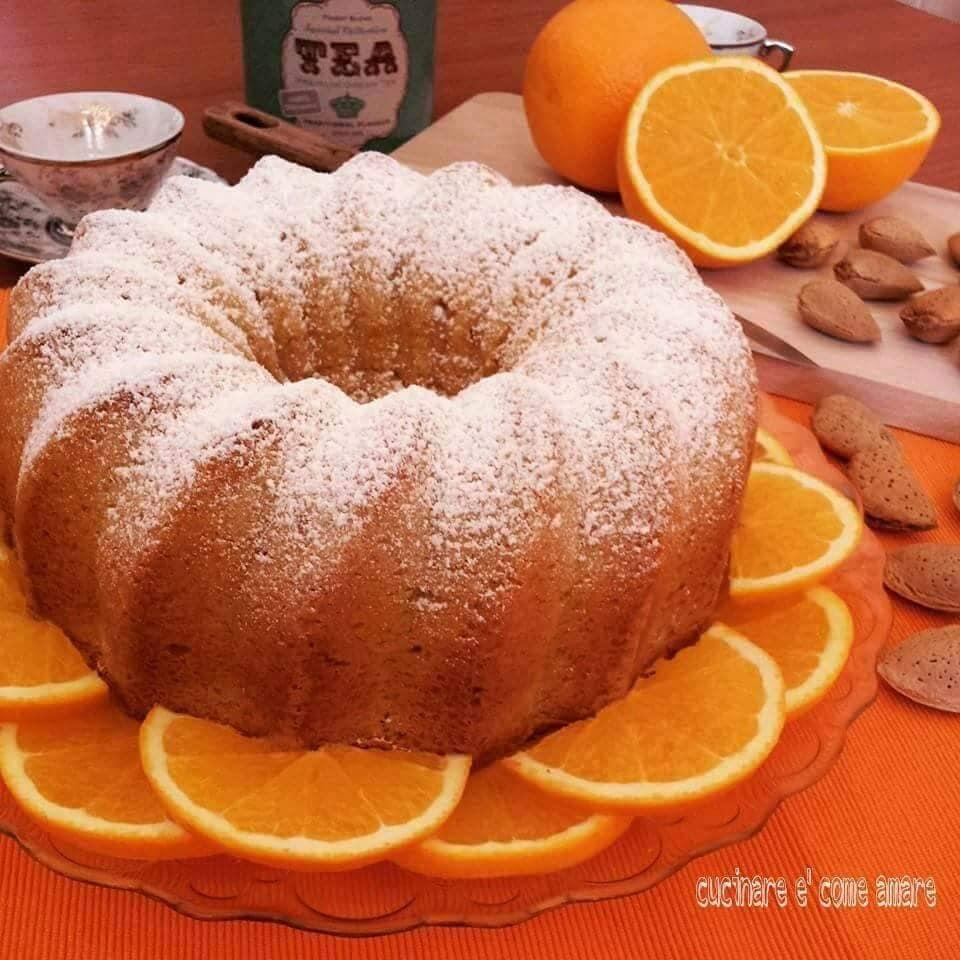 torta ciambella all'arancia dolce semplice