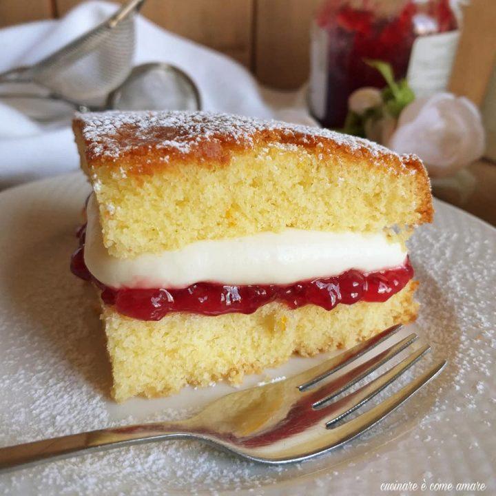 torta dolce victoria con ripieno crema e marmellata