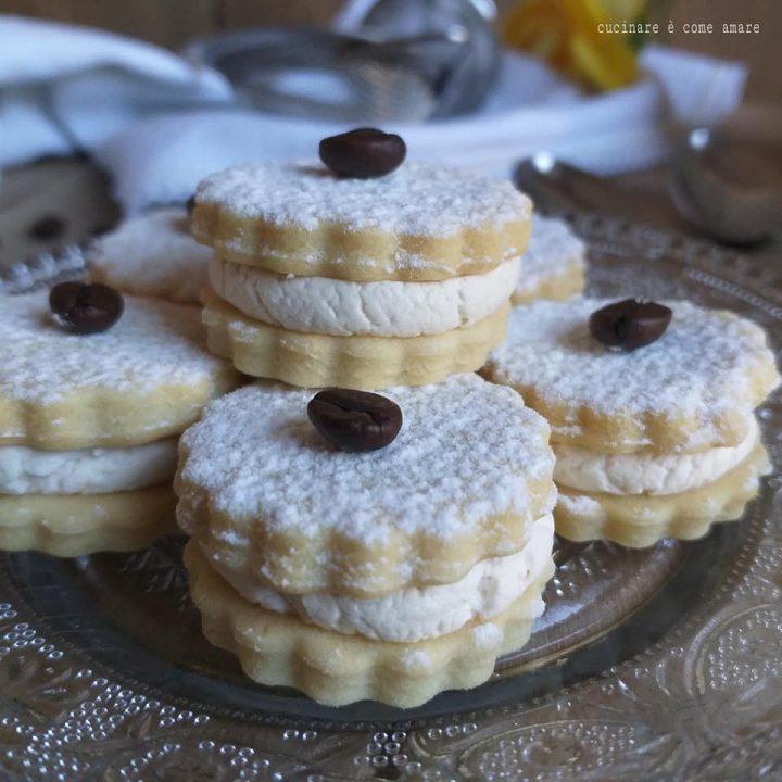 biscotto con crema tiramisu' dolce ripieno