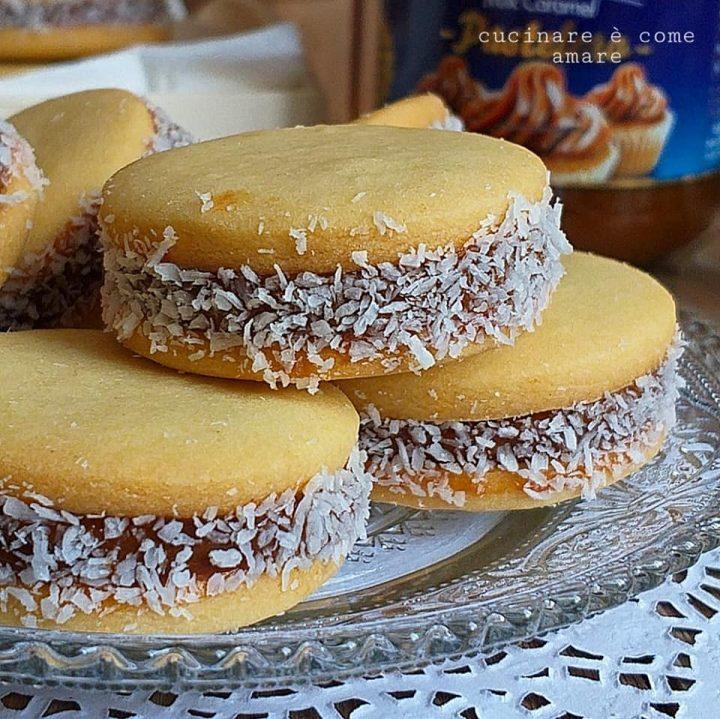 biscotto delizia cocco e caramello ripieno