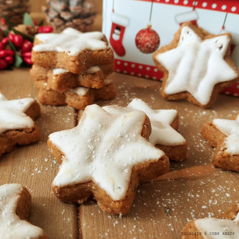 Biscotti Di Natale Zimtsterne.Biscotto Di Natale Zimtsterne Stelle Alla Cannella Cucinare E Come Amare