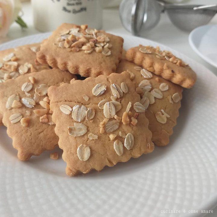 biscotto da colazione con nocciole e avena