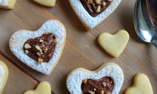 BISCOTTO SAN VALENTINO ALLA NUTELLA dolce ripieno