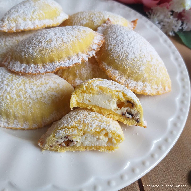 Ricetta Pasta Frolla E Ricotta.Biscotto Raviolo Di Frolla Dolce Ripieno Ricotta Cucinare E Come Amare
