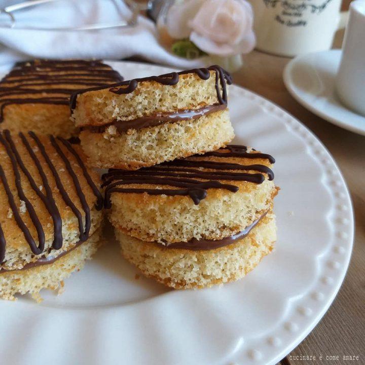 torta merendina alla nutella dolce con nocciole