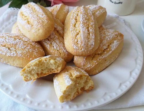 BISCOTTO TIPO SAVOIARDI dolce da inzuppo senza burro