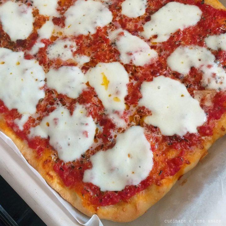 impasto pizza in teglia ricetta facile e gustosa