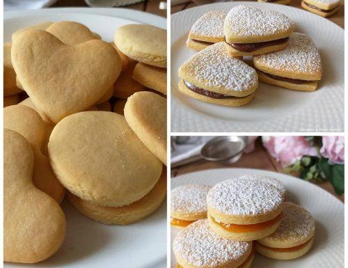 BISCOTTI RIPIENI NUTELLA E MARMELLATA dolce ricetta facile