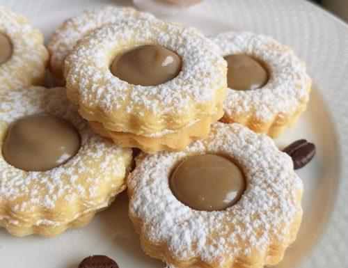 BISCOTTO OCCHIODIBUE AL CAFFE' dolce ripieno crema