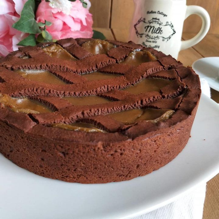 crostata golosa cacao e nocciole dolce ripieno cremoso