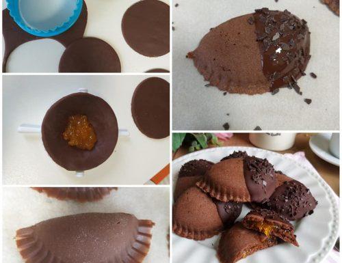 IMPASTO BISCOTTO MEZZALUNA SACHER dolce al cacao ripieno