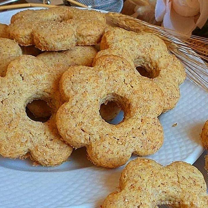 biscotti integrali da inzuppo dolce senza burro