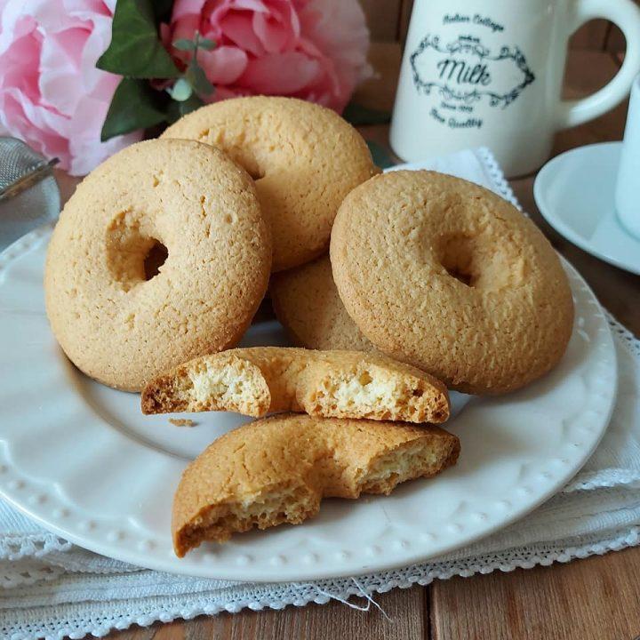 biscotti ciambelle di nonna da inzuppo senza burro