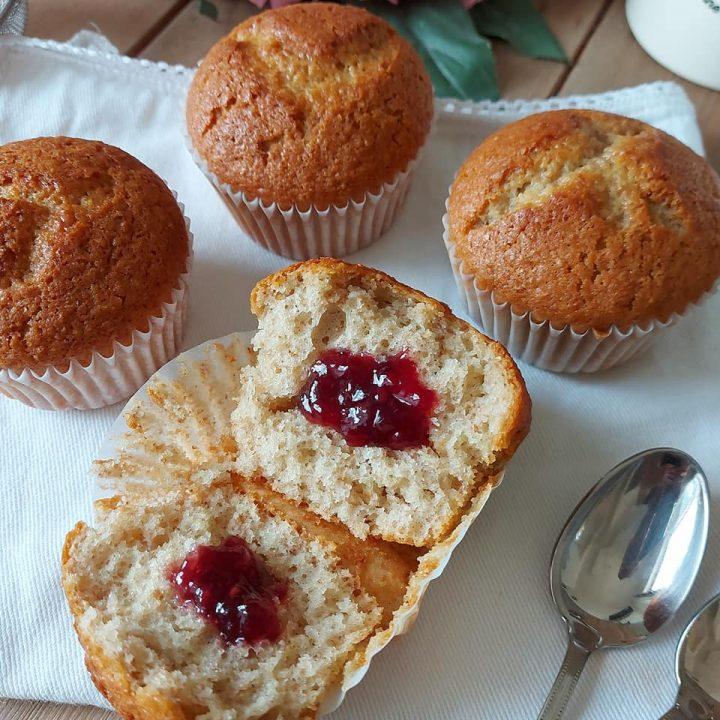 muffin tortina integrale con marmellata dolce ripieno