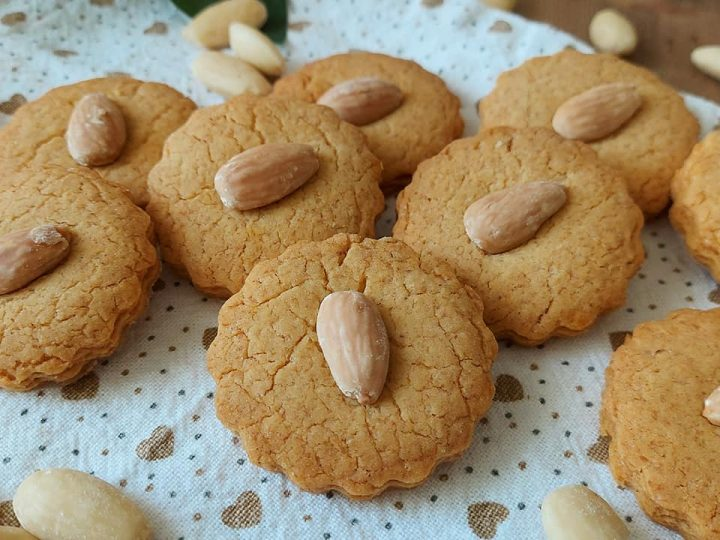 biscotti frollini con mandorle dolce ricetta facile