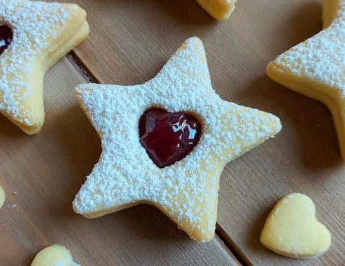 BISCOTTI STELLE CON MARMELLATA dolce ricetta golosa