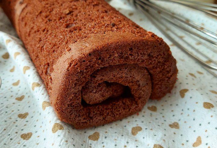 rotolo pan di spagna al cacao dolce ricetta pasta biscotto