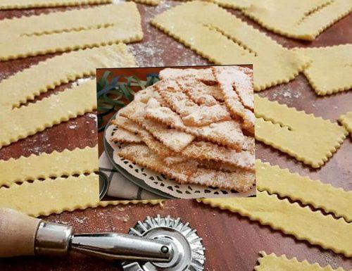 CHIACCHIERE PERFETTE DI CARNEVALE dolce ricetta facile