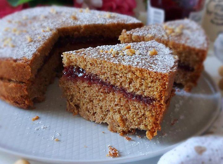 torta schwarz con nocciole dolce ripieno marmellata