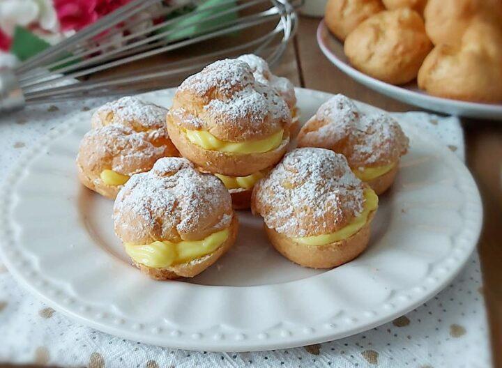 bigne' favolosi con crema pasticcera dolce facile ripieno goloso