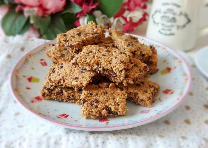 biscotti maltagliati tipo barrette avena e cioccolato dolce ricetta facile