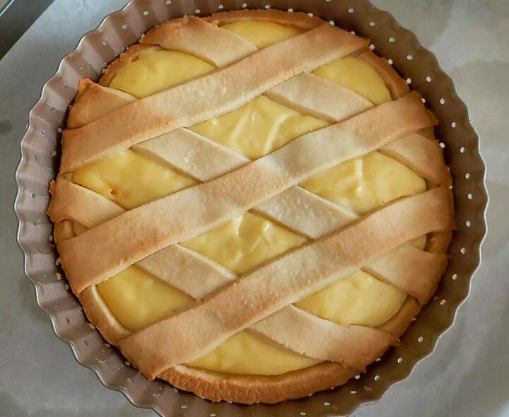 crostata casalinga alla crema dolce della nonna ripieno goloso