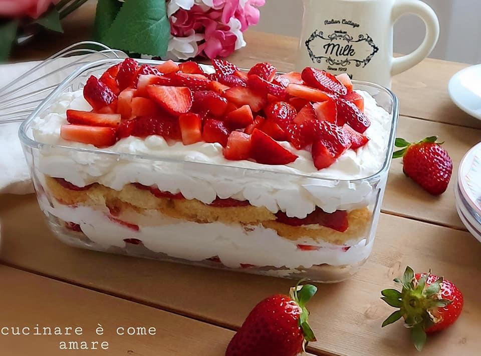 Ricetta Tiramisu Con Yogurt E Panna.Tiramisu Favoloso Crema Yogurt E Fragole Dolce Facile E Goloso Cucinare E Come Amare