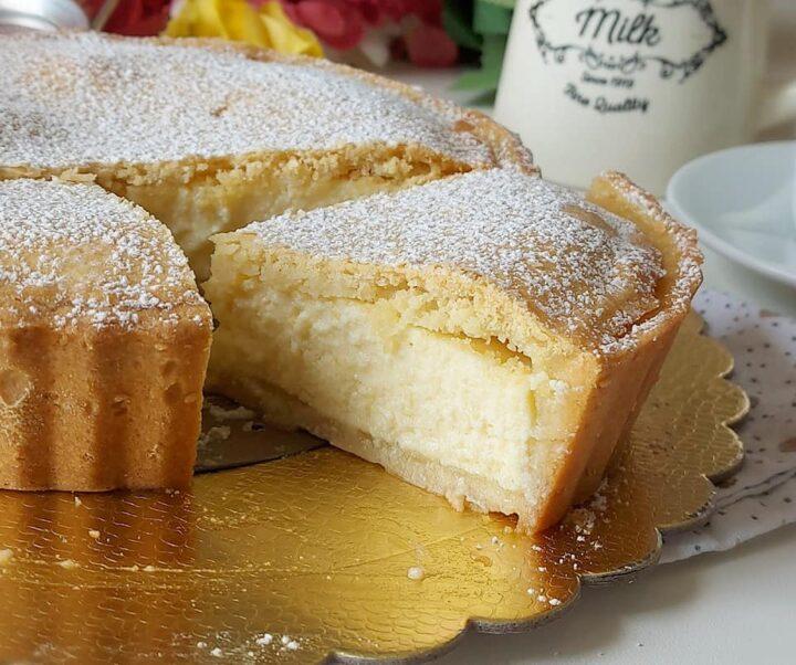 torta crostata frollissima con crema dolce ripieno cremoso
