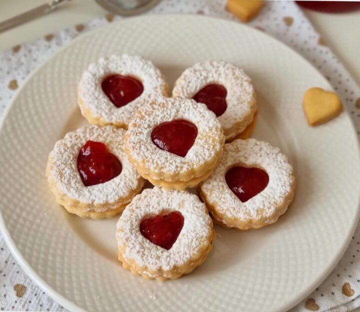biscotti frollini collaudaTISSIMI con marmellata dolce ripieno
