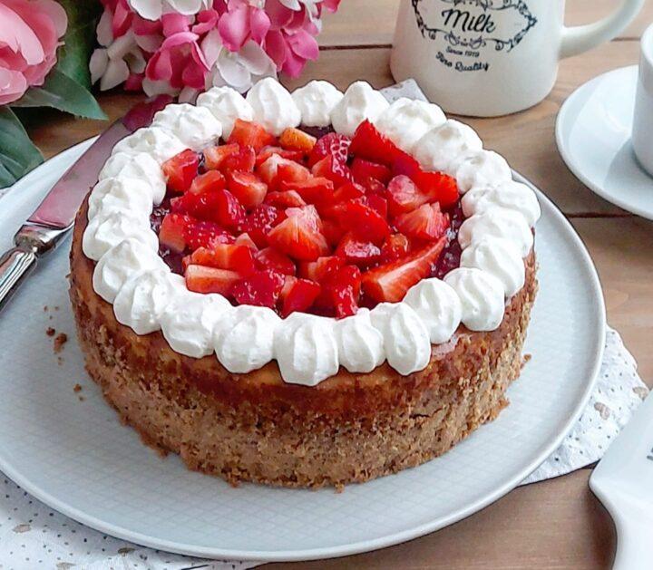 cheesecake favola panna e fragole dolce cremoso e goloso