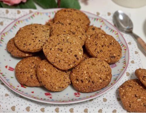 BISCOTTI FACILI NOCCIOGOCCIOLOTTI dolce con nocciole e cioccolato