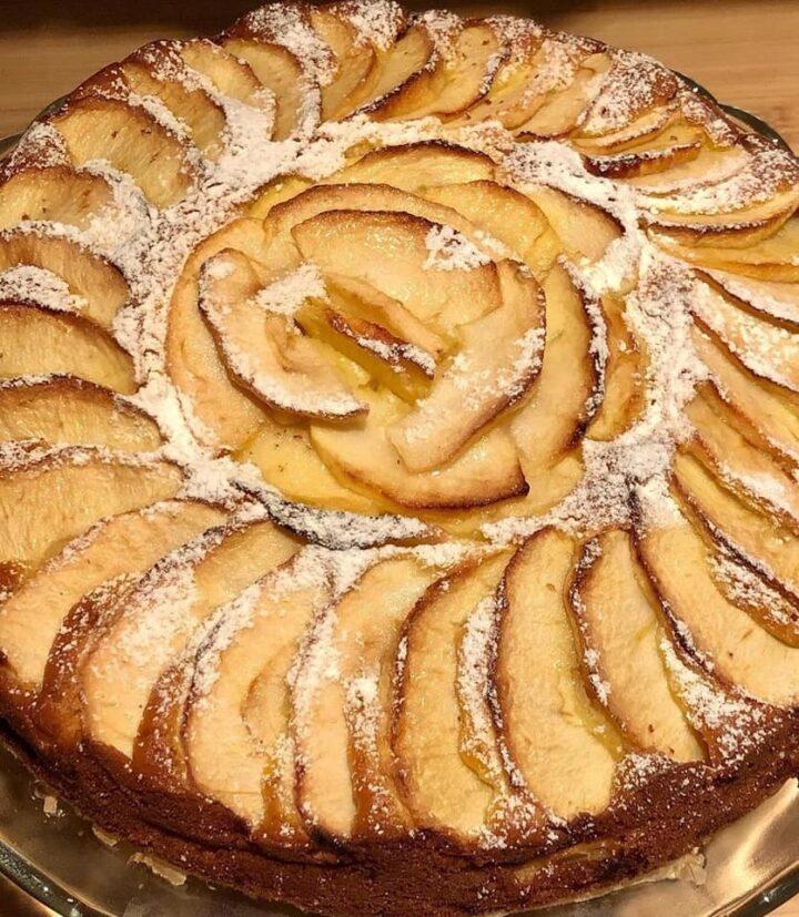torta regina di mele dolce soffice della nonna senza burro